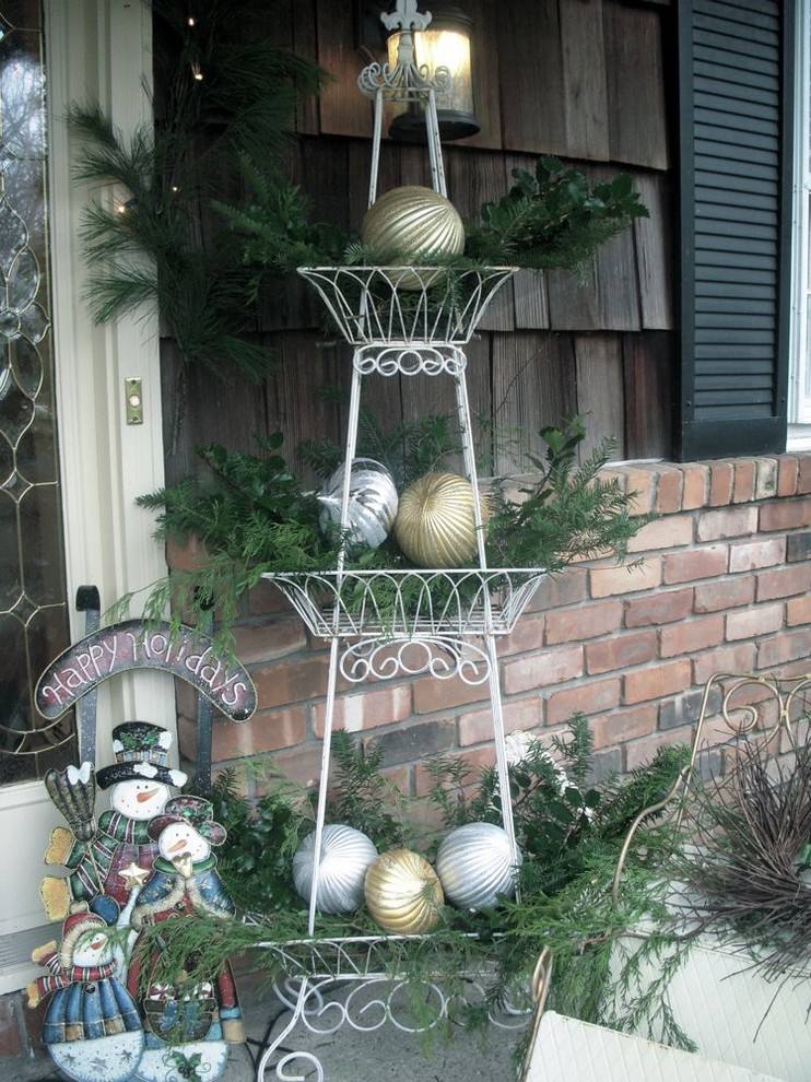 Making Outside Decorations For Spring Or Summer