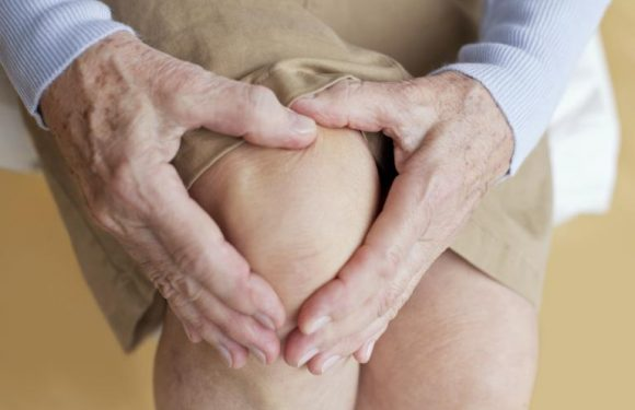 How to Manage Knee Pain and Get Proper Treatment- Spine And Rehab Group?